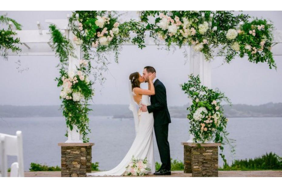 Моя свадьба. Как эффектно украсить столы и зал на торжество?