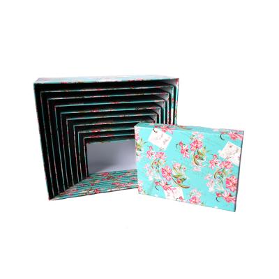 Коробка подарочная прямоугольная 3 в ассортименте